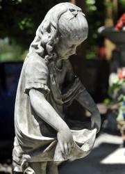 Dragonstone Lilly Garden Statue